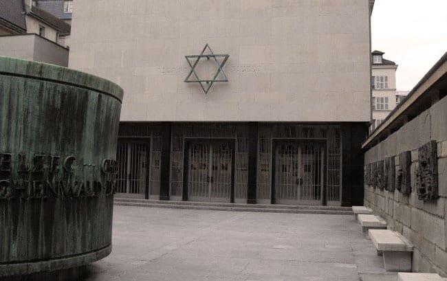 Jewish-Paris