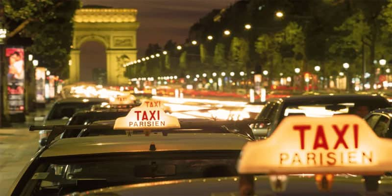 taxis versus uber in paris. Black Bedroom Furniture Sets. Home Design Ideas