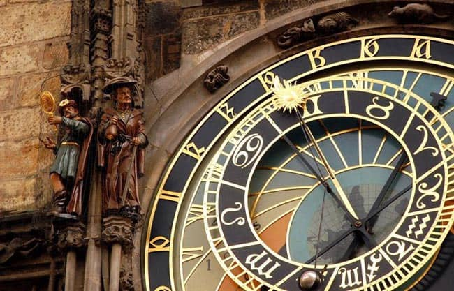 Things to do in the Old Town of Prague old-town-square-clock