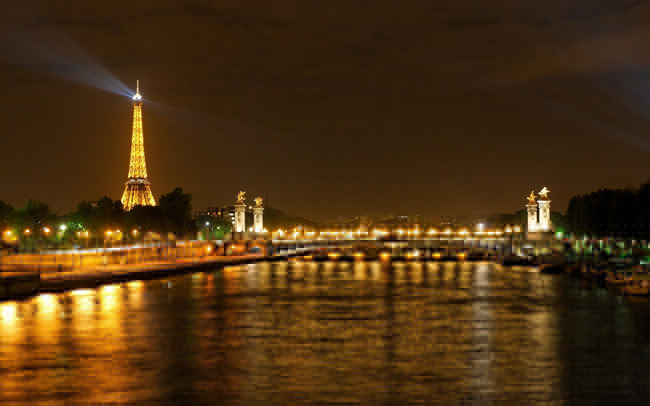 Paris at night: how to enjoy the city of lights