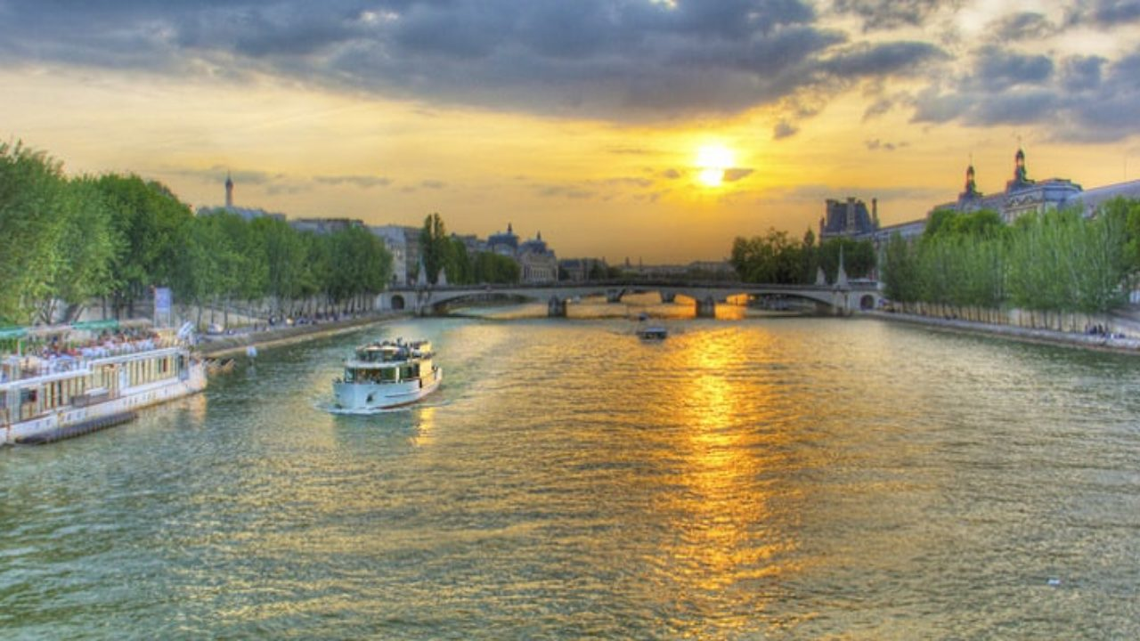 How to enjoy the River Seine - Discover Walks Paris