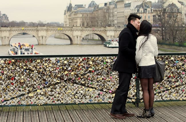 love_locks_couple
