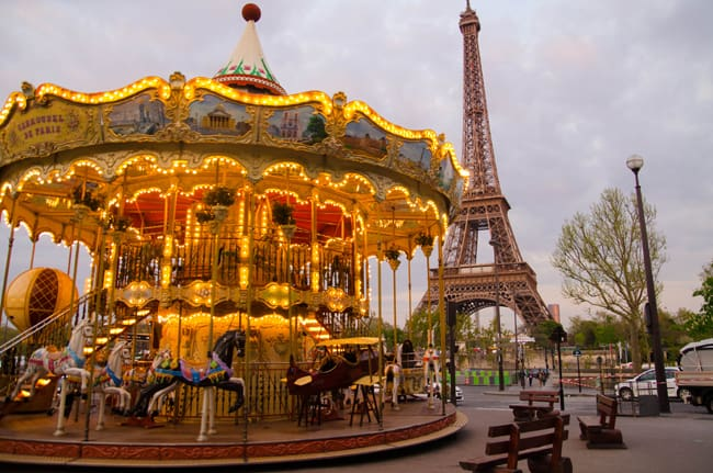 things to do in paris on christmas day. Black Bedroom Furniture Sets. Home Design Ideas