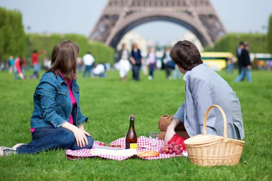 things to do around the eiffel tower