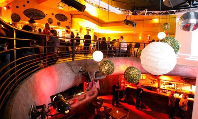 Top 5 places with live music in paris for Divan du monde