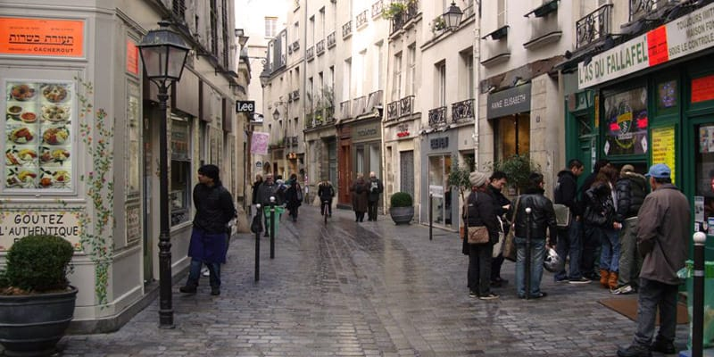 the best streets in le marais. Black Bedroom Furniture Sets. Home Design Ideas
