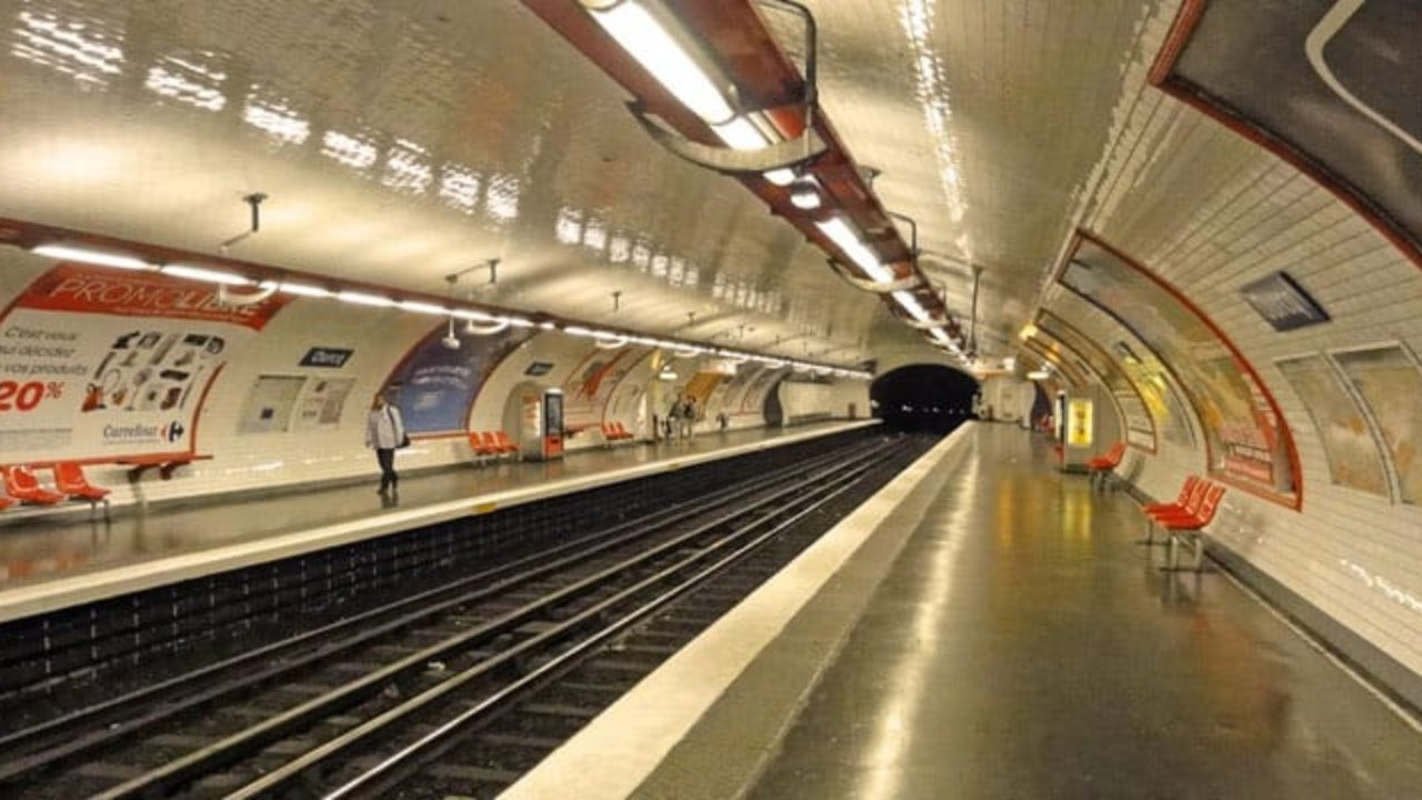 How to use the metro in Paris