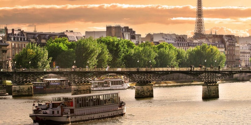 Things to do near the Seine River in Paris
