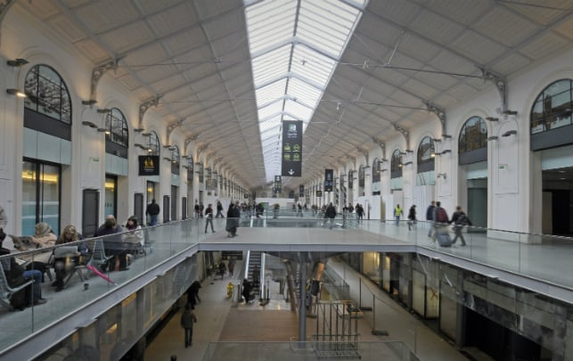 Things to do near galeries lafayette discover walks paris - Restaurant gare saint lazare ...