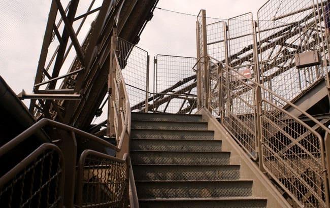 eiffel-stairs