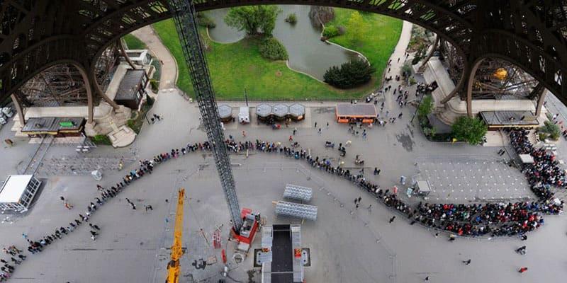paris-queue-big