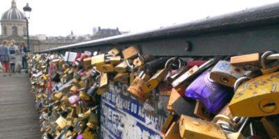 Padlocks on the bridge, Paris