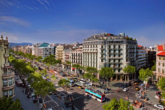 top 5 best streets to see in barcelona (5)