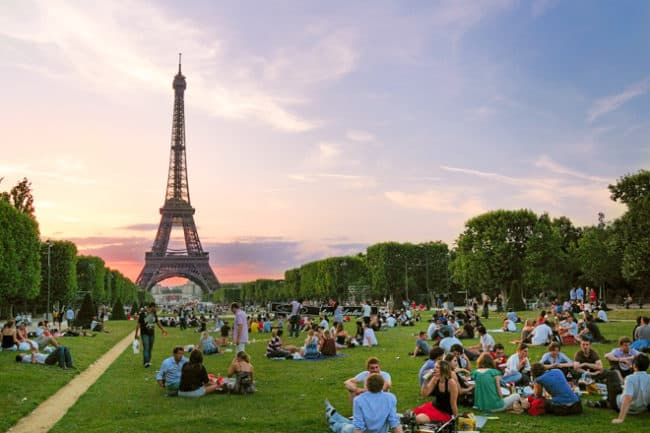 what to pack for paris in summer 2