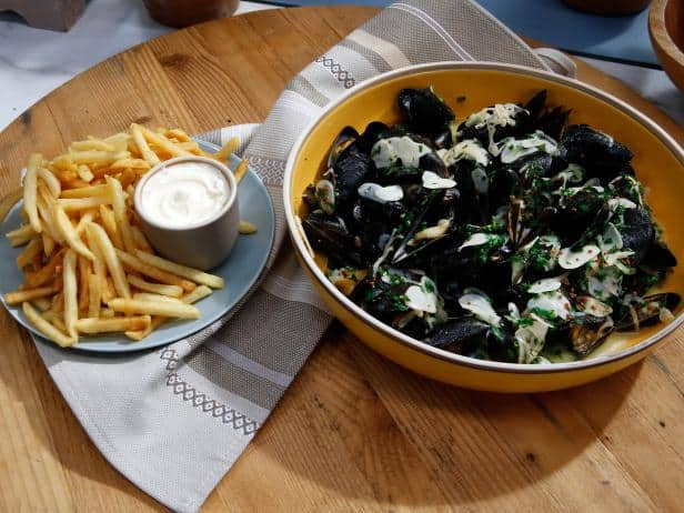 Try some moules in Paris with chips !
