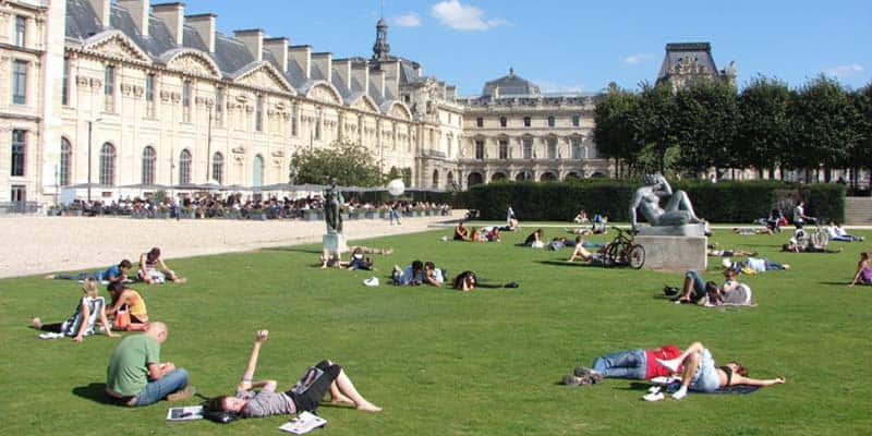 best-spot-to-have-a-nap-in-paris