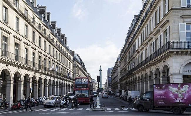 luxurious avenues of Paris