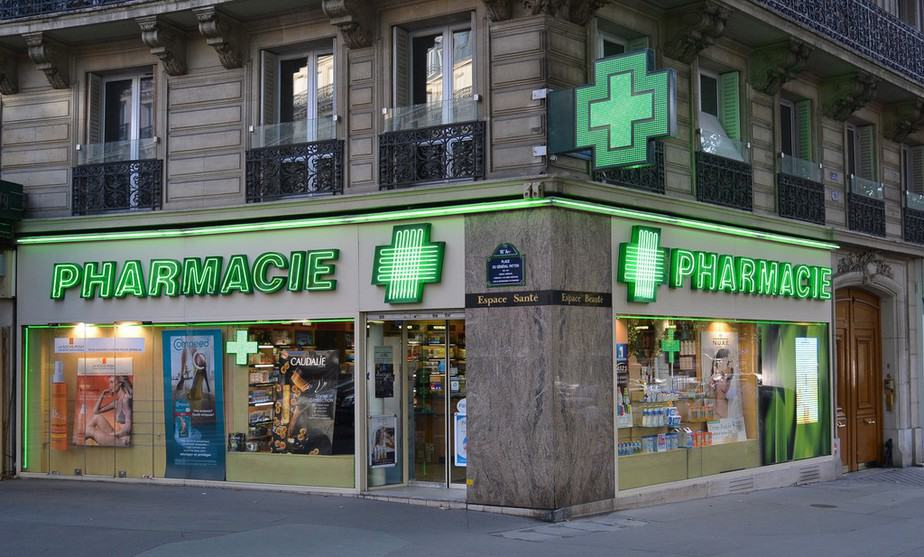 everythingyouneedtoknowaboutparisianpharmacies3