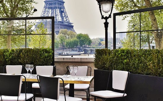 Monsieur Bleu Makes It Onto The List Of Best Restaurants Near Eiffel Tower For Two Reasons First Off Their Amazing Location