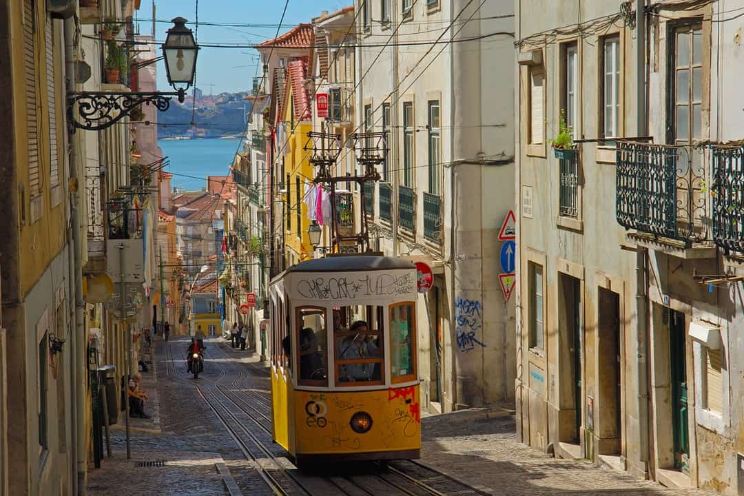 Top 5 streets to see in Lisbon - Discover Walks Lisbon