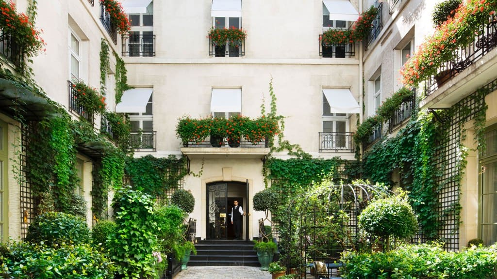 Best hotels to stay with dogs in paris discover walks paris Best hotels to stay in paris