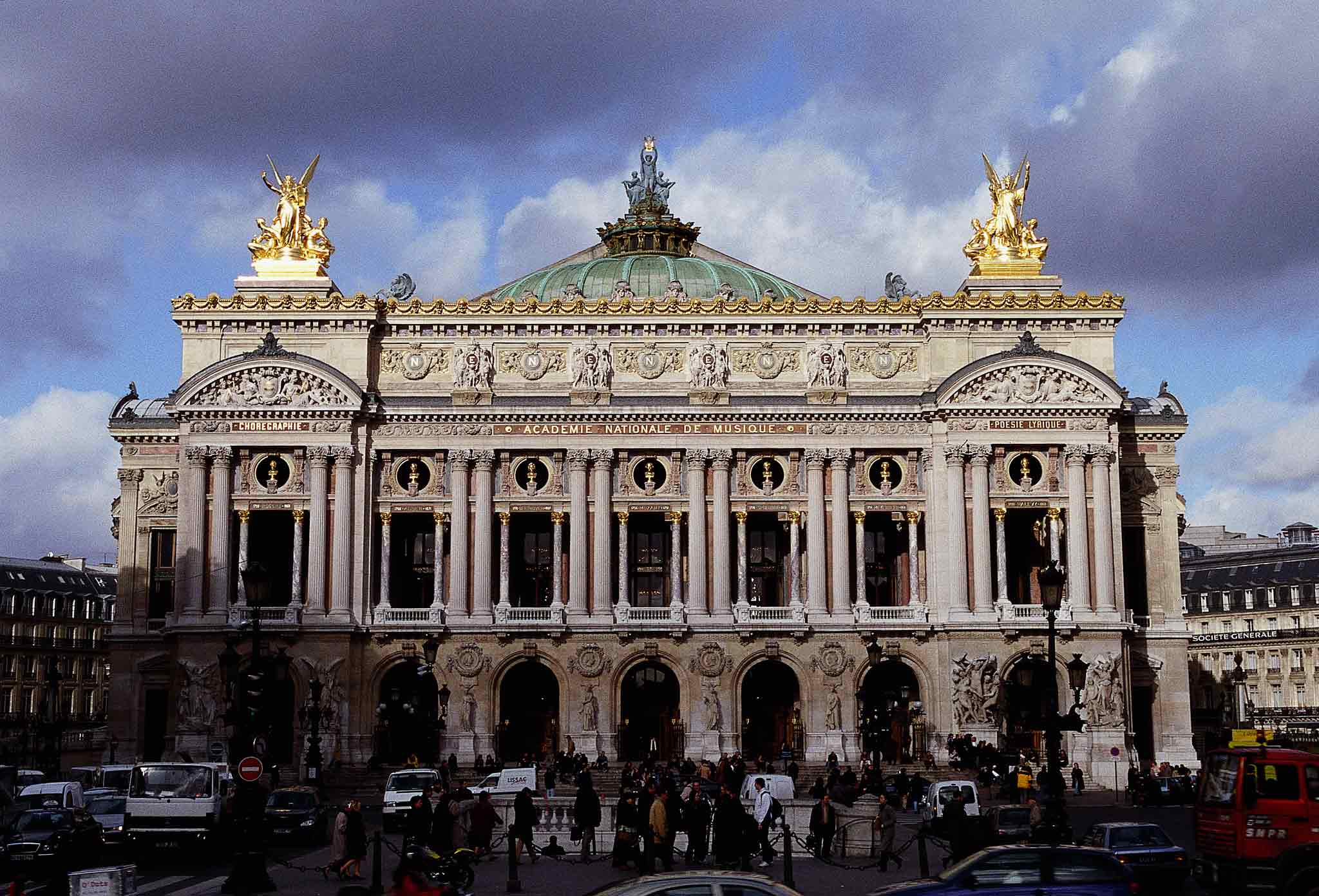 thingstodofrommontmartretothelouvre4
