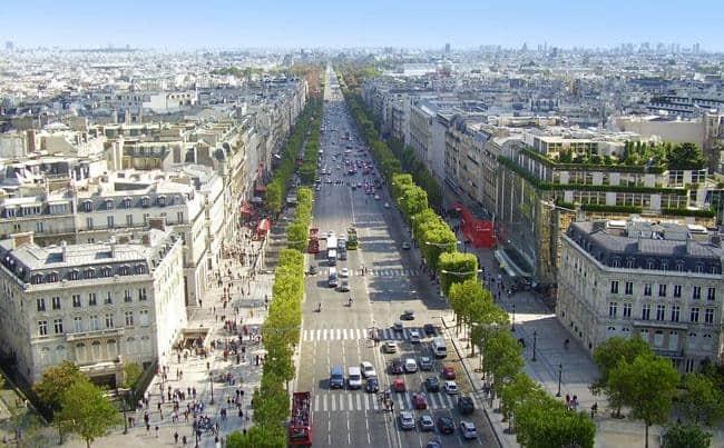 champs-elysees in Paris
