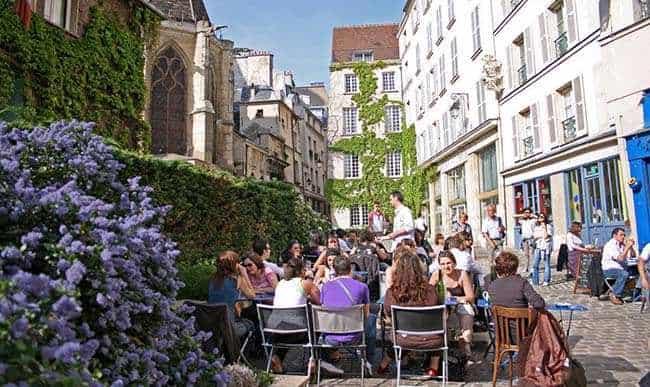 rue des barres in Paris