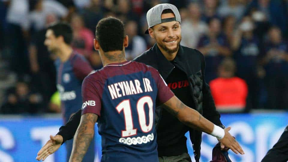 Le PSG accueille les stars