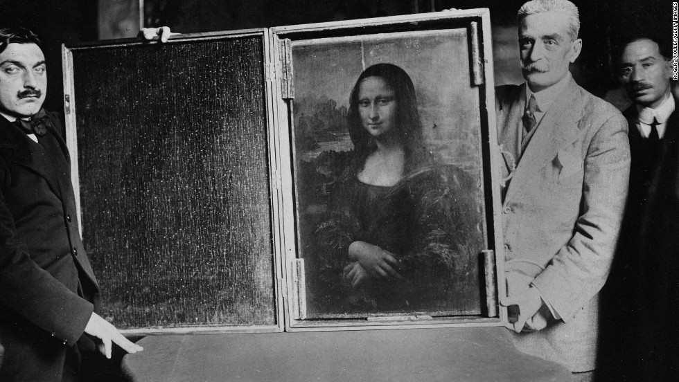 Transportation of Mona Lisa in Paris