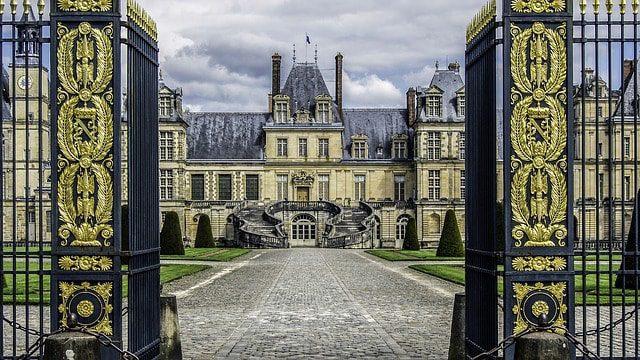 Výsledek obrázku pro fontainebleau chateau