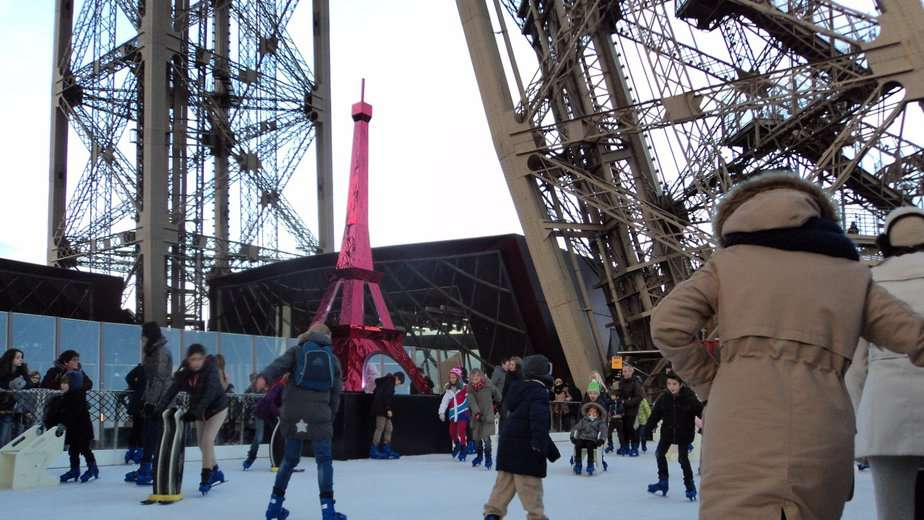 Skating rink Eiffel Tower