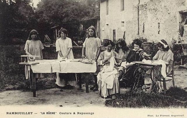 Girls learn how to sew at La Ruche