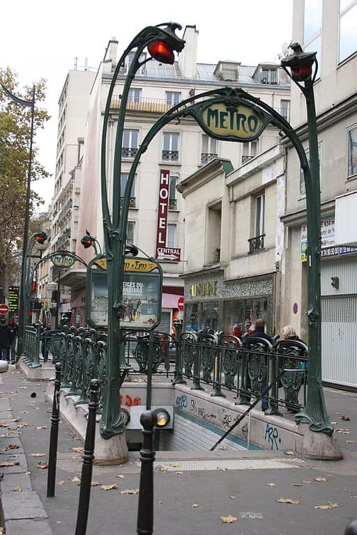 Paris Station Metro Château d'Eau