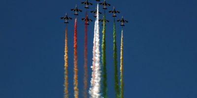 Italian Jets performing acrobatics