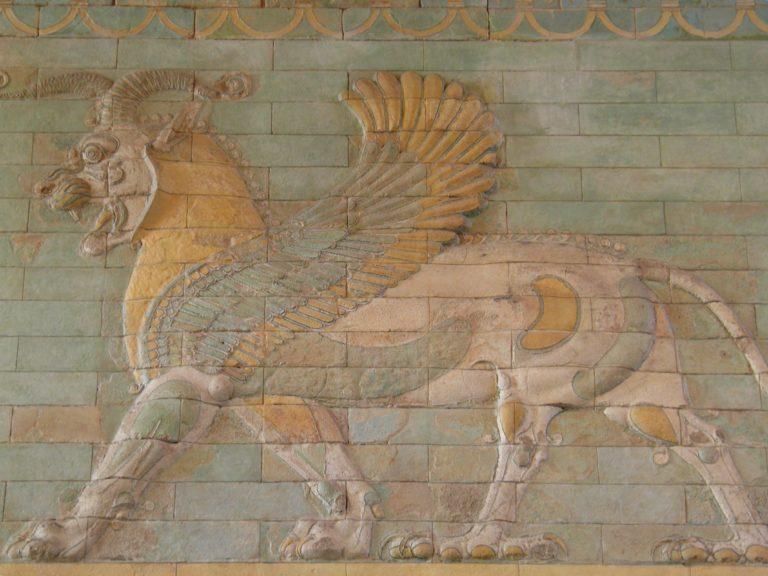 https://www.discoverwalks.com/blog/wp-content/uploads/2019/10/frieze_of_griffins_circa_510_bc_apadana_west_courtyard_of_the_palace_susa_iran_susa_iran_louvre_museum_12251831946-768x576.jpg