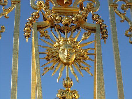 versailles gate sun detail