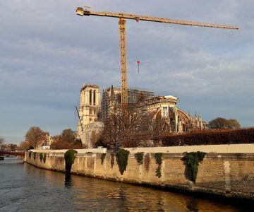 Virtual Notre Dame show